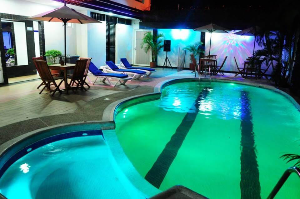 Piscina Nocturna + Sauna + Turco en el Hotel Verano Plaza
